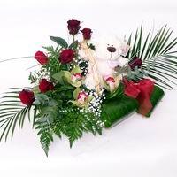 Ankara ucuz çiçek gönder  cam içerisinde 3 orkide 7 gül ve ayicik