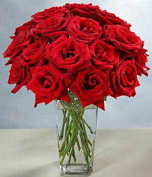 Ankara çiçek siparişi sitesi  Sevdiklerinize özel ürün 12 adet cam içerisinde kirmizi gül  Ankara İnternetten çiçek siparişi
