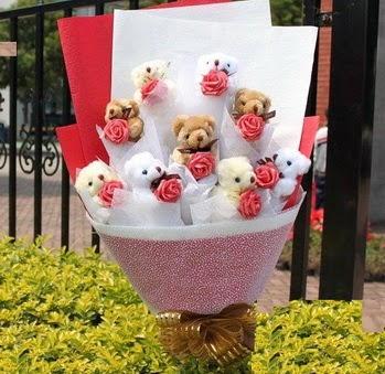 Ankara çiçek siparişi vermek  9 adet ayicik ve 9 adet yapay gül