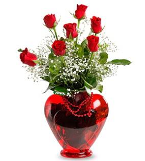 Kalp cam içinde 7 adet kırmızı gül  Ankara çiçek siparişi sitesi