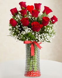 Cam vazoda 11 adet kırmızı gül kalp çubuk  Ankara cicek , cicekci