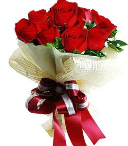 9 adet kırmızı gülden buket tanzimi  Ankara çiçek gönderme sitemiz güvenlidir