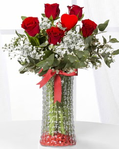 5 adet kırmızı gül kalp çubuk cam vazoda  Ankara çiçek gönderme sitemiz güvenlidir