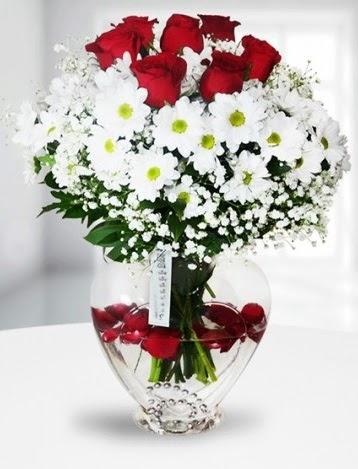 Kalp camda 7 gül kır çiçeği süper görsellik  Ankara çiçek yolla