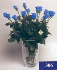 Ankara 14 şubat sevgililer günü çiçek  mika vazo yada cam Vazoda 11 adet mavi güller