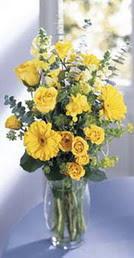 Ankara online çiçek gönderme sipariş  sari güller ve gerbera cam yada mika vazo