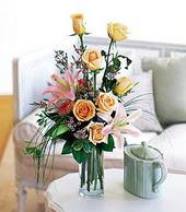 Ankara çiçek , çiçekçi , çiçekçilik  cam yada mika vazo içerisinde gül kazablanka