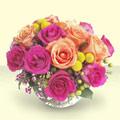 Ankara çiçek mağazası , çiçekçi adresleri  renkli güller cam yada mika vazo içinde