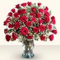 Ankara çiçekçiler  33 adet kirmizi gül cam yada mika vazoda