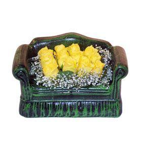 Seramik koltuk 12 sari gül   Ankara ucuz çiçek gönder