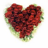 kalp biçiminde 15 gülden   Ankara güvenli kaliteli hızlı çiçek
