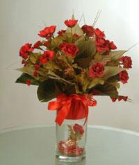 yapay güllerden vazo  9 gül  Ankara uluslararası çiçek gönderme