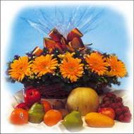 sepette gerbera ve meyvalar   Ankara çiçekçi mağazası