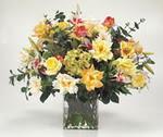 vazoda karisik  çiçekler  Ankara çiçek gönderme sitemiz güvenlidir