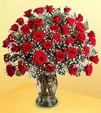 Ankara uluslararası çiçek gönderme  51 adet kirmizi gül ve cam vazo