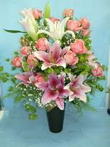 Ankara internetten çiçek satışı  cam vazo içerisinde 21 gül 1 kazablanka