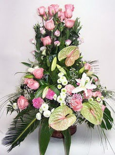 Ankara ucuz çiçek gönder  özel üstü süper aranjman