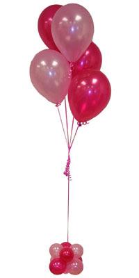 Sevdiklerinize 17 adet uçan balon demeti yollayin.  Ankara çiçekçi mağazası