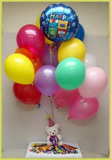 Ankara çiçekçi mağazası  Sevdiklerinize 17 adet uçan balon demeti yollayin.