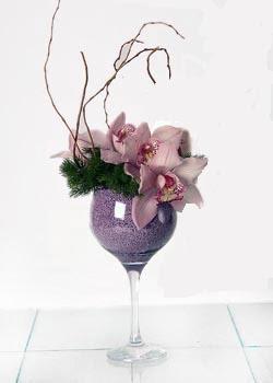 Ankara online çiçek gönderme sipariş  cam içerisinde 3 adet kandil orkide