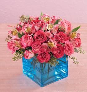 Ankara online çiçek gönderme sipariş  13 adet kirmizi gül ve cam yada mika vazo