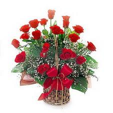 Ankara kaliteli taze ve ucuz çiçekler  saygi duyanlara 12 adet kirmizi gül
