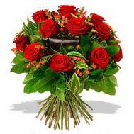 9 adet kirmizi gül ve kir çiçekleri  Ankara internetten çiçek satışı