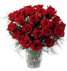Ankara çiçek gönderme sitemiz güvenlidir  11 adet kirmizi gül cam yada mika vazo içerisinde