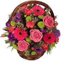 Güller ve kir çiçekleri sevilenlerin çiçegi  Ankara anneler günü çiçek yolla