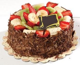 pastaci firmasindan 4 ile 6 kisilik çikolata meyvali yaspasta  Ankara çiçek siparişi sitesi