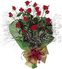 11 adet kirmizi gül buketi özel hediyelik  Ankara çiçekçi mağazası