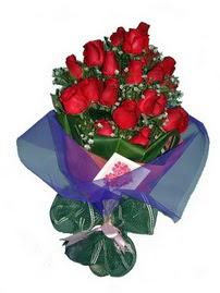 12 adet kirmizi gül buketi  Ankara online çiçek gönderme sipariş