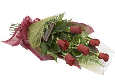 ucuz çiçek siparisi 6 adet kirmizi gül buket  Ankara çiçek siparişi sitesi