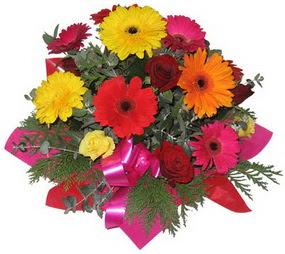 Karisik mevsim çiçeklerinden buket  Ankara hediye sevgilime hediye çiçek