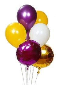 13 adet farkli renklerde uçan balon