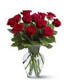 Ankara çiçek gönderme sitemiz güvenlidir  cam yada mika vazoda 10 kirmizi gül