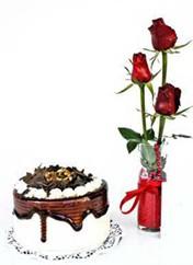 Ankara çiçek siparişi vermek  vazoda 3 adet kirmizi gül ve yaspasta