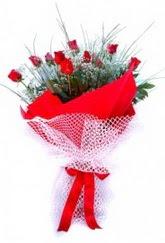 Ankara hediye çiçek yolla  9 adet kirmizi gül buketi demeti