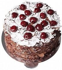 4 ile 6 kişilik çikolatalı Vişneli yaş pasta