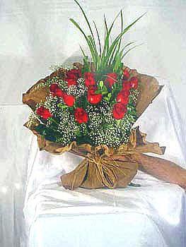 Ankara çiçek gönderme  11 adet kirmizi kaliteli gül