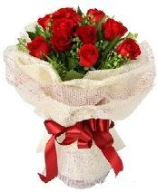 12 adet kırmızı gül buketi  Ankara anneler günü çiçek yolla