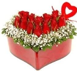 Kalp içerisinde 9 kırmızı gül kalp çubuk  Ankara internetten çiçek siparişi