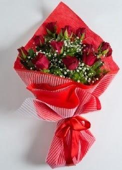 11 adet kırmızı gülden buket  Ankara online çiçek gönderme sipariş