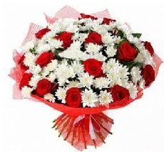 11 adet kırmızı gül ve 1 demet krizantem  Ankara çiçek mağazası , çiçekçi adresleri