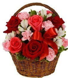 Ankara internetten çiçek satışı  sepette güller ve kır çiçekleri