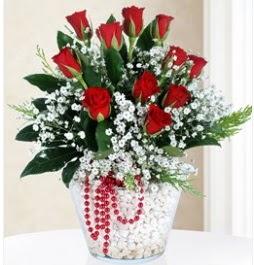 9 adet kırmızı gül cam içerisinde  Ankara çiçek servisi , çiçekçi adresleri