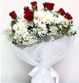 9 adet kırmızı gül ve papatyalar buketi  Ankara internetten çiçek siparişi