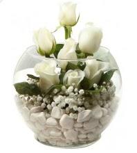 11 adet beyaz gül cam fanus çiçeği  Ankara çiçek mağazası , çiçekçi adresleri