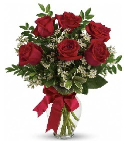 Cam vazo içerisinde 6 adet kırmızı gül  Ankara çiçek gönderme