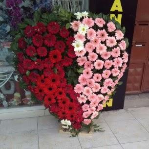 Kalp pano kalp şeklinde pano çiçeği  Ankara çiçek siparişi sitesi
